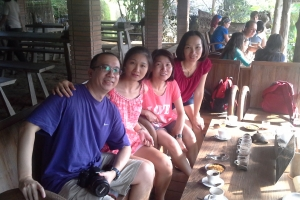 customers Bali Tour Guide