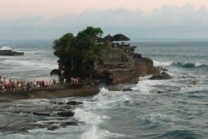Bali Tanah Lot sea