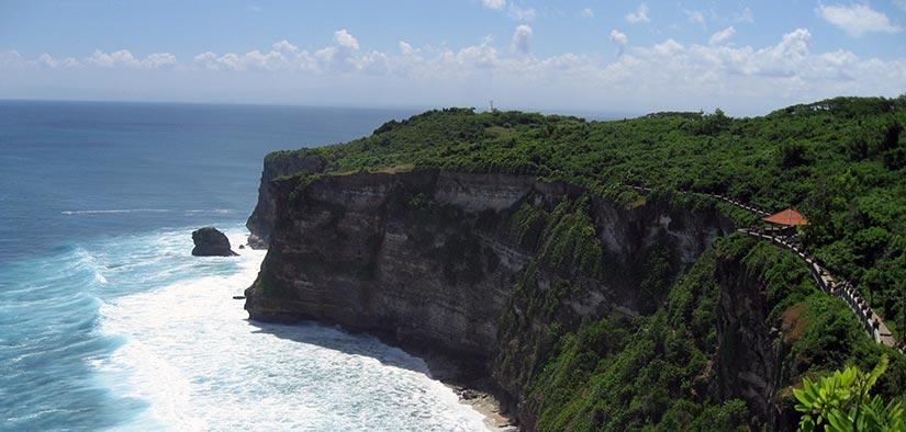uluwatu cliff Bali